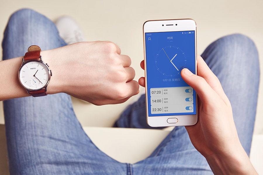 Классические часы Meizu Mix сосмарт-функциями выходят в Российской Федерации