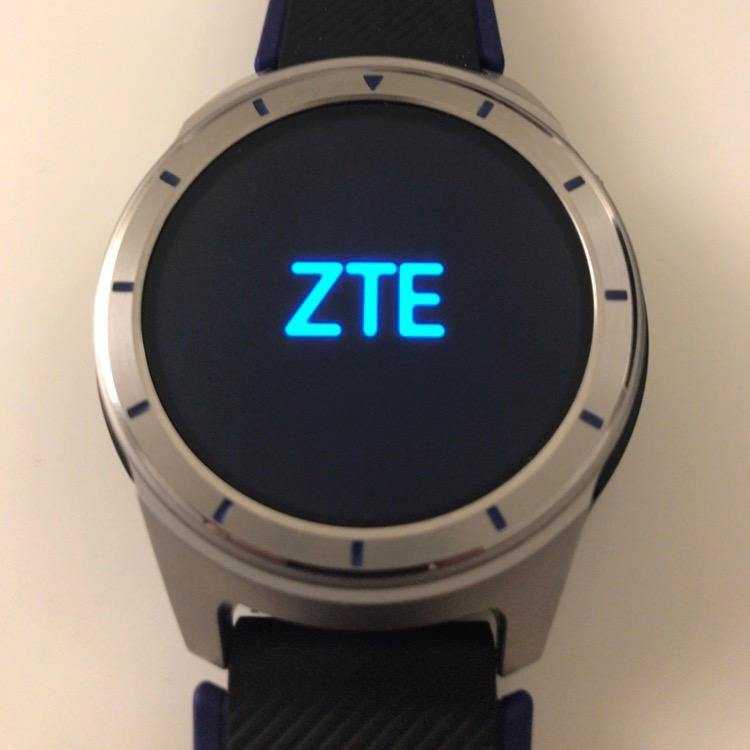 Вглобальной паутине  появились фото новейших смарт-часов ZTE Quartz