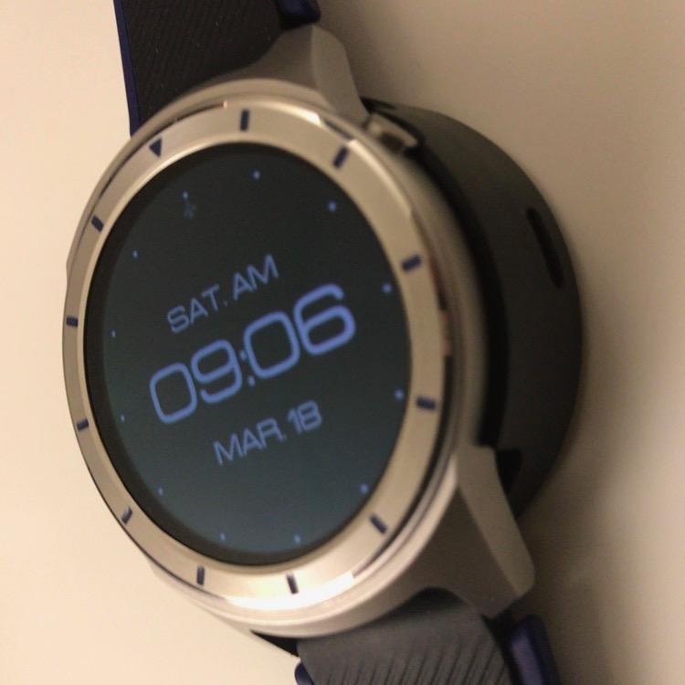 Смарт-часы ZTE Quartz засветились нафото