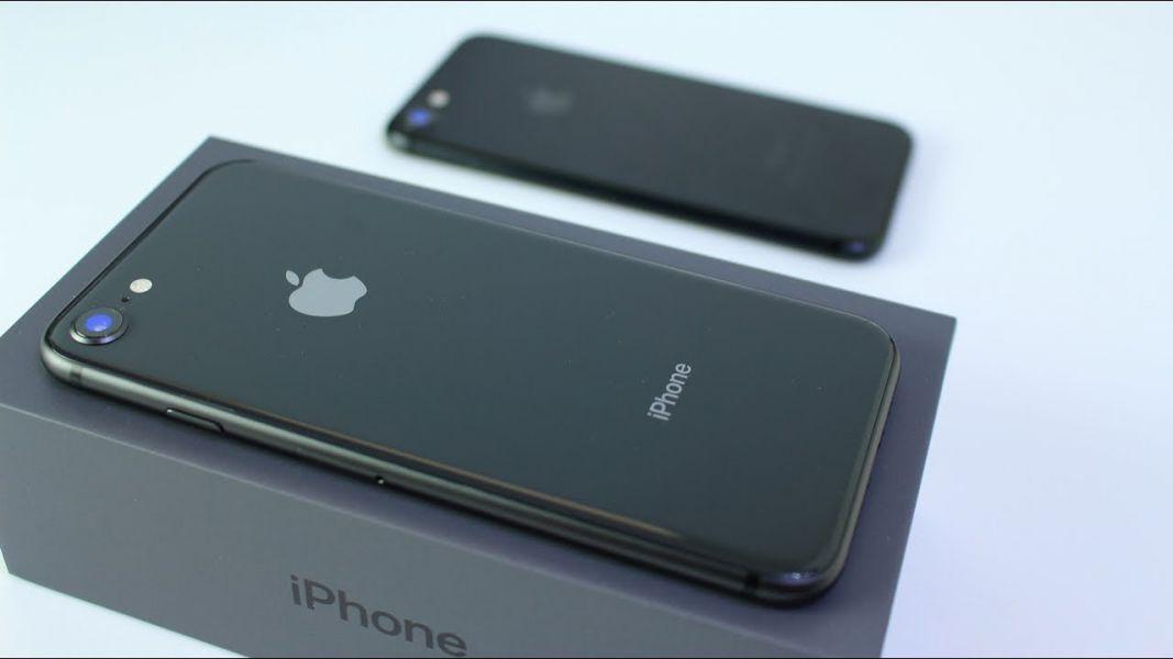 Цены наiPhone 8 резко упали в Российской Федерации