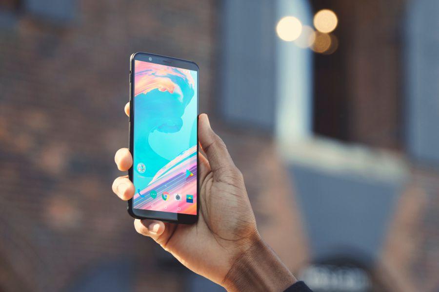 OnePlus 5T доступен для покупки в России