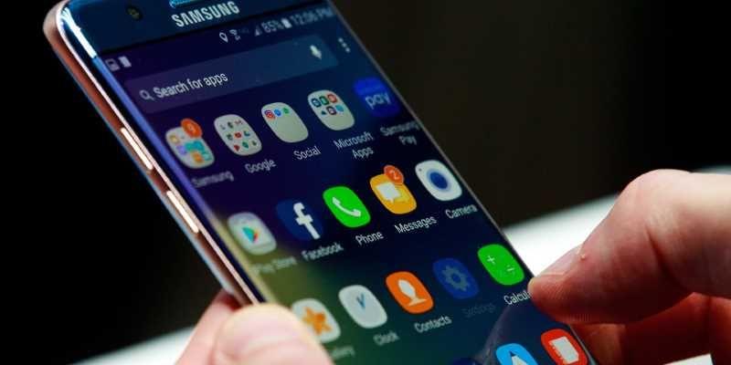 ВИталии компанию Самсунг уличили втайном замедлении старых телефонов