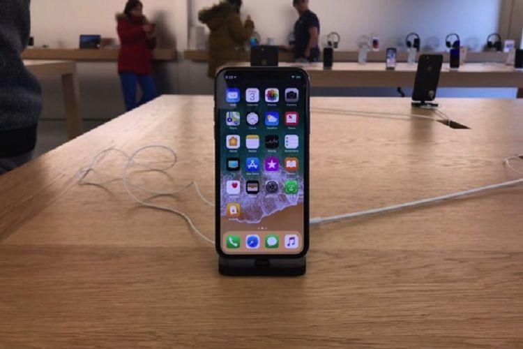 Store запустила программу покупки iPhone «поподписке»— Сеть re