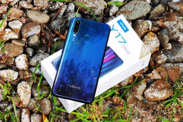 Обзор Vivo Y17: бюджетник с мощной батарейкой